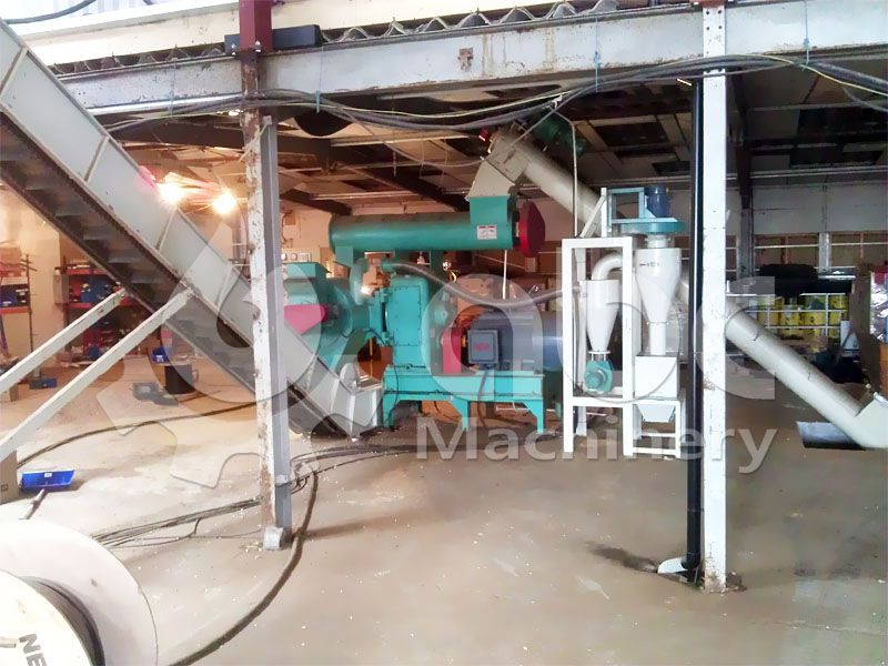ring die wood pellet production machine in pelletising process